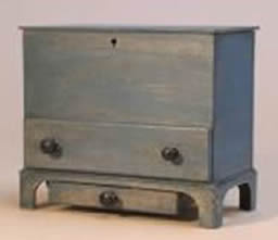 Miniature Shaker Blanket Chest