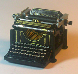 Miniature 1908 Underwood typewriter