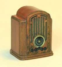 Miniature 1935 RCA Tombstone Radio